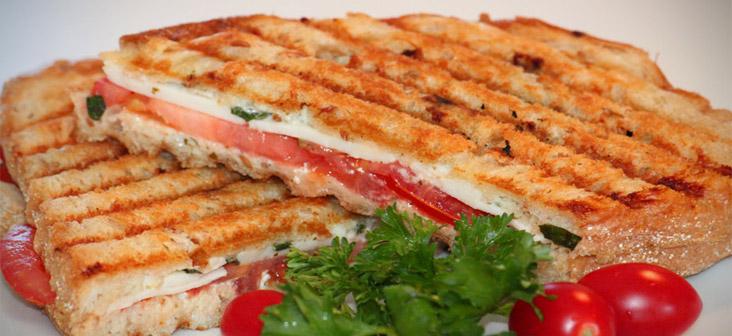 tomato mozarella cheese