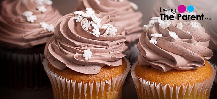 vanilla cupckae with chocolate topping