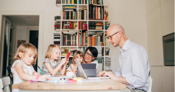 How to Juggle Parenting with Homeschooling