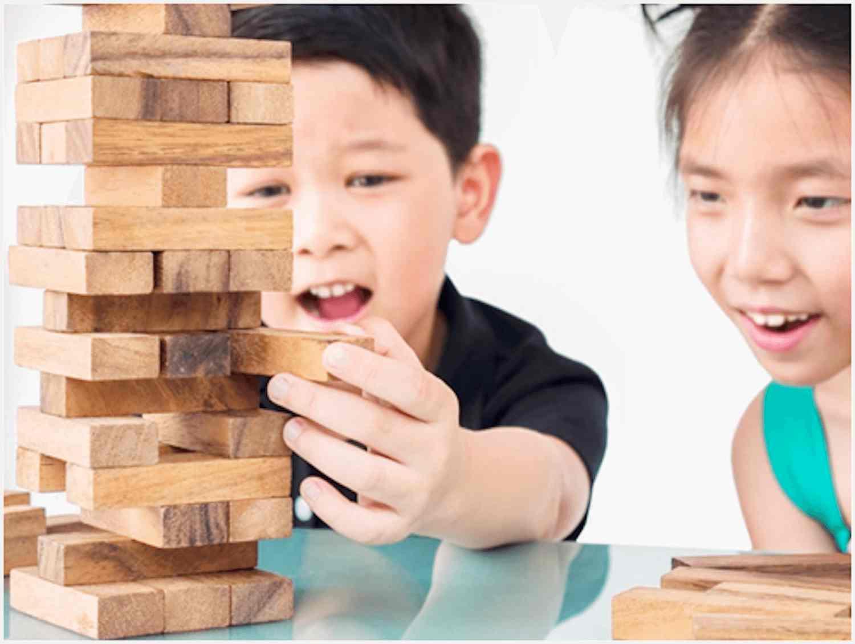 kids playing junga