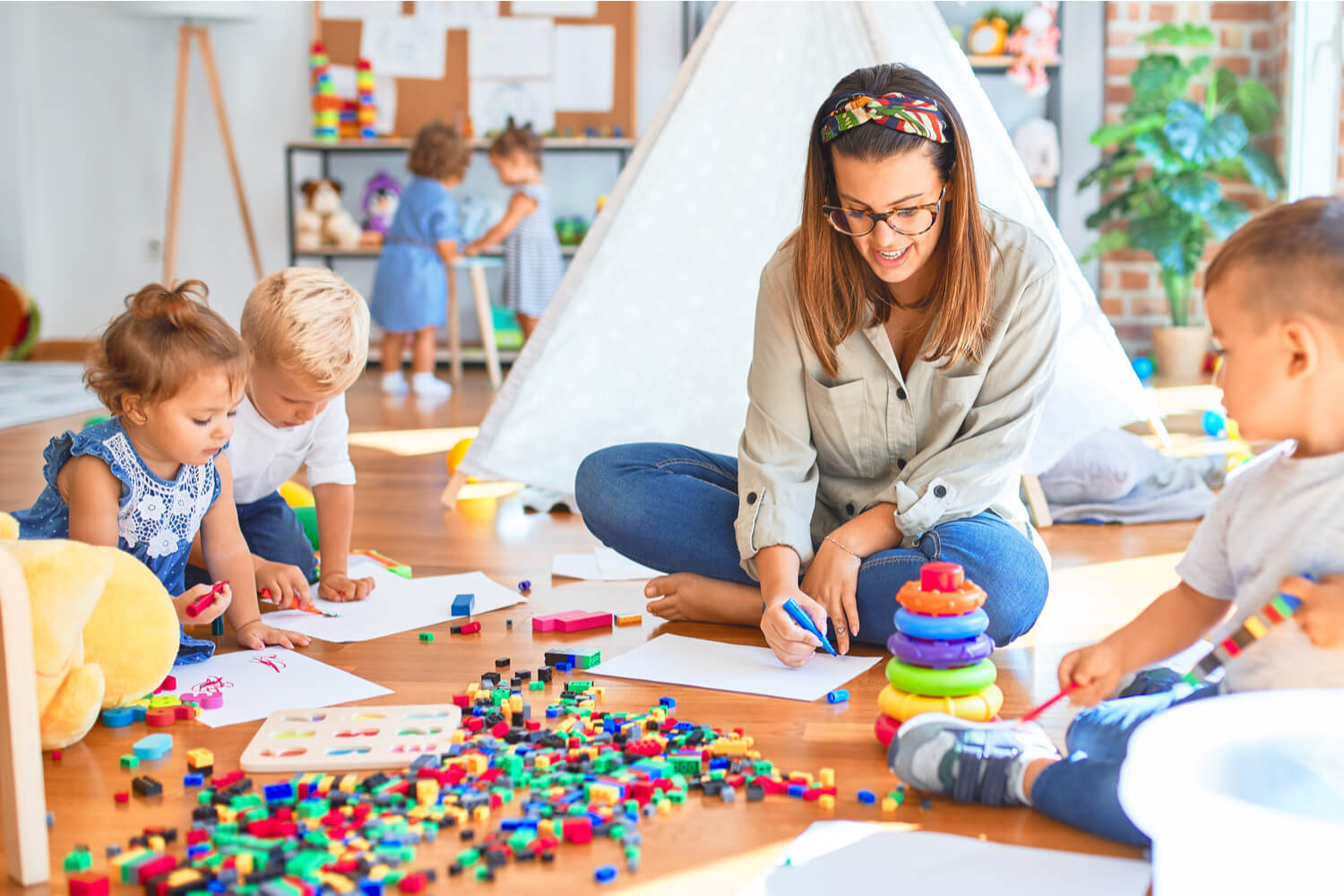 Difference Between Montessori And Kindergarten Style Of Learning